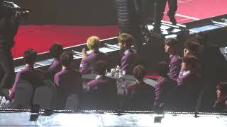Wanna One Reaction To BTS V (#1 Handsome Face) @SMA 2018