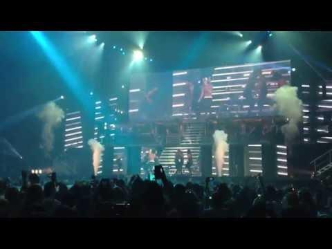 Justin Bieber - Boyfriend (San Jose 6/26)