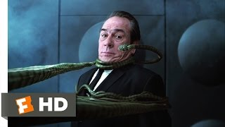Men in Black II - Someone I Need to Eat Scene (7/10) | Movieclips