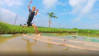 PHD | Thử Thách Chạy Trên Mặt Nước | Running On The Water