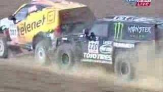 Robby Gordon bumps another driver at the Dakar rallye