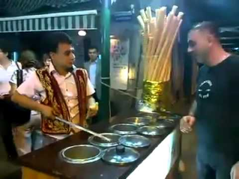 Funniest Turkish Ice Cream Seller | Vendeur De Glaçe Plein D'humour ! | Ev0x video