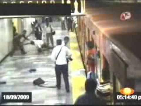 Balacera en Metro Balderas 2009