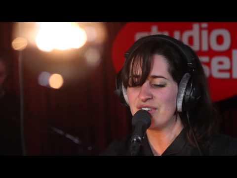 Studio Brussel: Eefje De Visser - Ongeveer (Live in duyster)