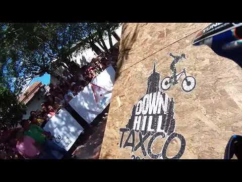Taxco urban downhill 2014 huge crash on the drop.