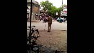 Uttarpradesh police take bribe to pass heavy vehicles