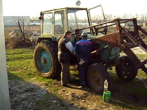 Заводим трактор после зимы 2008.