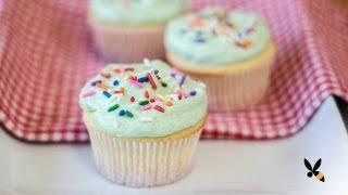 Vanilla Cupcake Recipe (Magnolia Bakery)   HONEYSUCKLE