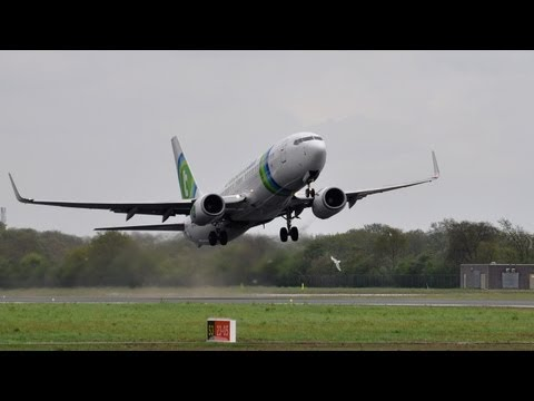 Samsung galaxy S4 test Transavia Boeing 737-8K2 PH-HZI Takeoff at Groningen Airport Eelde 10-05-2013