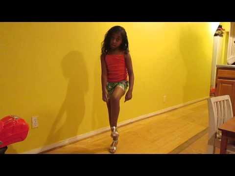 Top kid model Eliza introduction