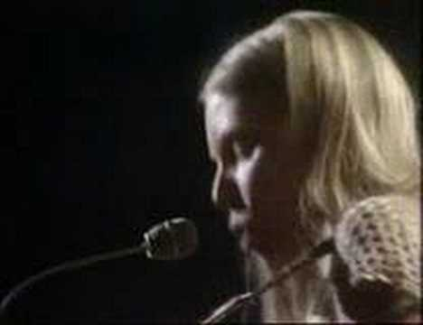 big yellow taxi - joni mitchell in concert 1970