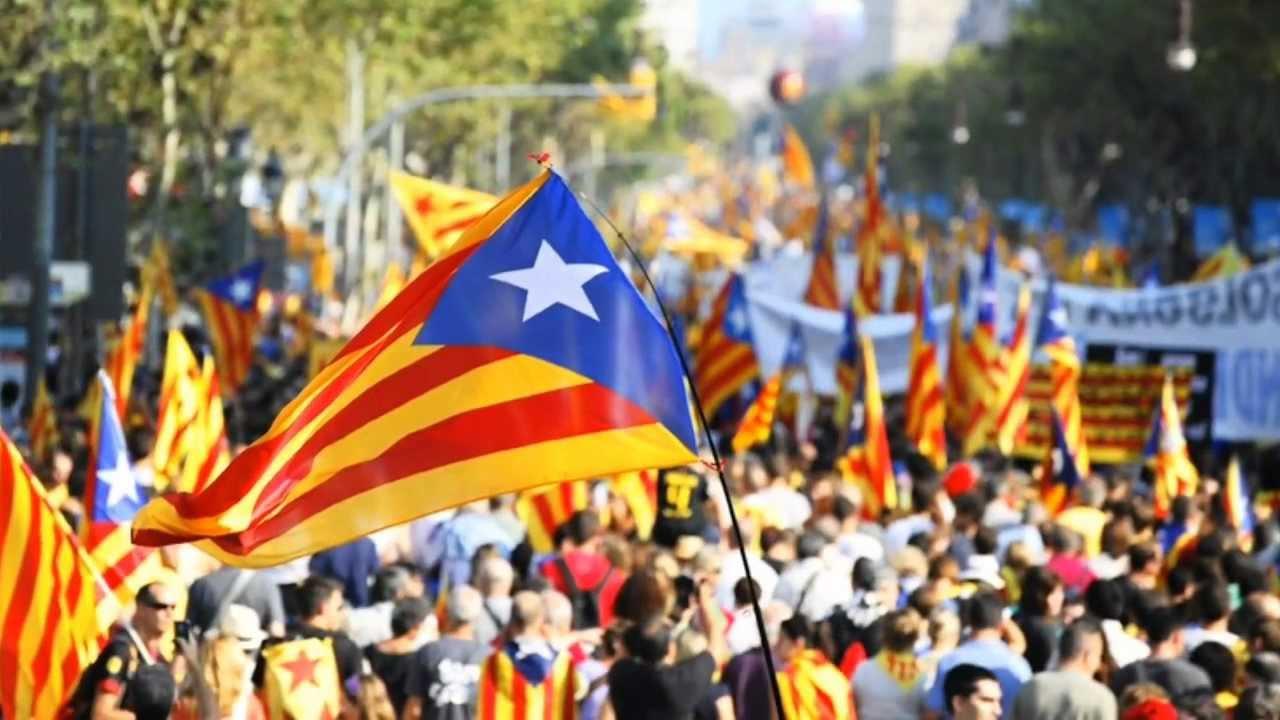 [Humo] Catalanes perderían ciudadanía española