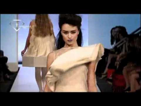 Fashiontv Oceania - ftv123.com | Roxanna Zamani Runway