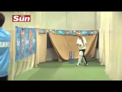 Graeme Swann's spin bowling masterclass.