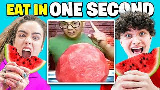 Try To Eat in 1 Second Challenge (Sommer Ray Vs FaZe Jarvis)