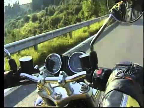 Roberto Ungaro prova la Triumph Thunderbird Sport