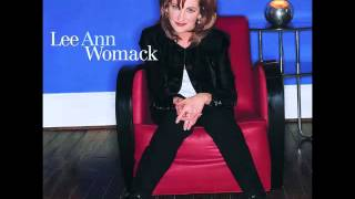 Watch Lee Ann Womack Make Memories With Me video