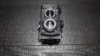 How to Unload a 120mm film from a Yashica Mat 124G TLR camera