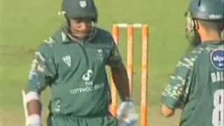 Sanath Jayasuriya - 54 off 29 balls vs Lancashire