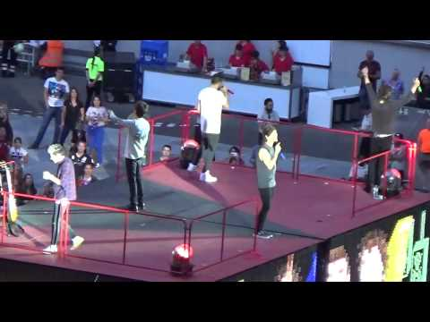 One Direction - One Thing & Diana (Esprit Arena Düsseldorf)
