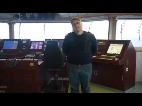 Alex Goes Around: Cargo ship across the Pacific