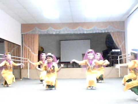 Народный стилизованный Узбекский танец - категория 5-9 лет, руководитель Ладина Е.Ю., с. Богатое