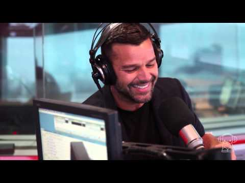 Ricky Martin speaks in Spanish for Australian women