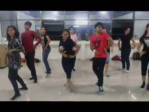 Dhating Naach Superb Bollywood Dance By Dance Floor Studio video
