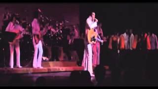 Watch Elvis Presley Rubberneckin video