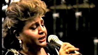 """برنامه ای غیر رسمی از هایده در اوت 1988 در استکهلم در این اجرا ترانه """"مستی"""