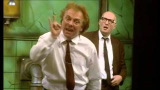 Bottom Live 2003 with Rik Mayall and Ade Edmondson FULL FILM
