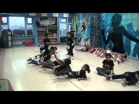 Bollywood Dance By Kids Of Lotus Dance Academy 9,panchkula video