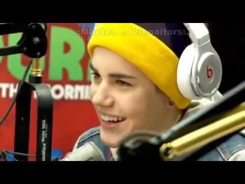 Entrevista donde Justin y Selena escuchan grabación del 2009 (Traducida).