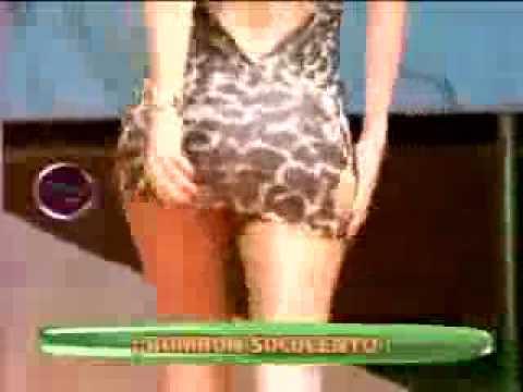 Tilsa Losano modelando en noche limeña junto a bomba sexy de Argentina