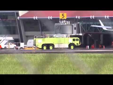 Un avión con 185 pasajeros a bordo aterrizó de emergencia en el Juan Santamaría