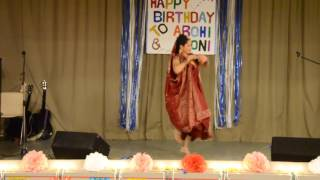 Lopa is dancing with bengali song in Finland