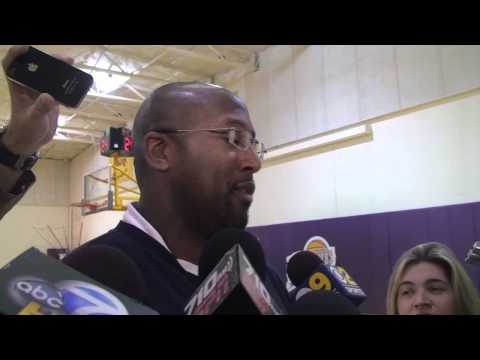 Lakers Coach Mike Brown on coaching Kobe Bryant