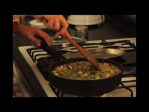 Puerco con calabacitas y elote - Pork with Zucchini and Corn