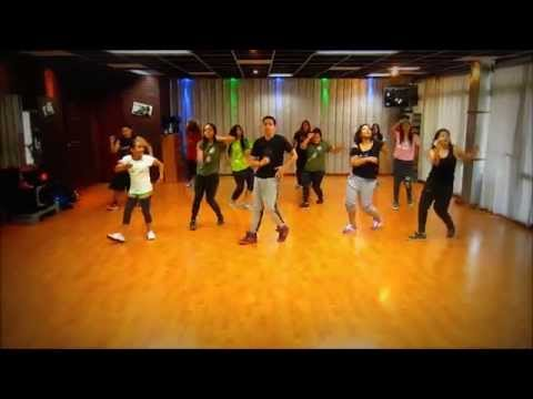 Moviendo caderas - Yandel feat Daddy Yankee / Freestyle Wknd class