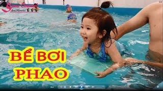 Bé Sumi Đi Tập Bơi Ở Bể Bơi Phao - Sumi Bơi Cực Siêu, Cười Không Ngớt Miệng