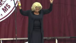 "Vanessa Bell Armstrong singng ""Good News"" - Sept. 28, 2014"