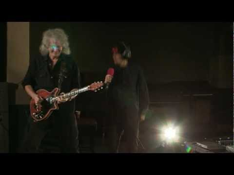 Brian May + Dappy: We will rock you