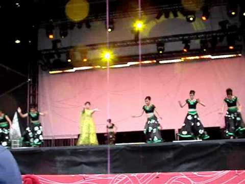 Tribute to Madhuri Dixit -- Shiamak Davar show at Richmond O Zone Part III