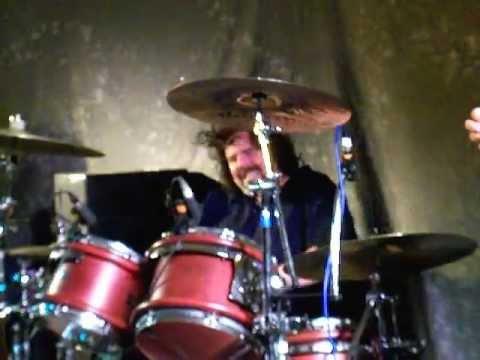 Michael Leasure - Walter Trout Band - at The Beaverwood Club, Chislehurst, Kent 20.06.2011