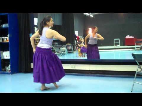 Hula Dance E Pili Mai