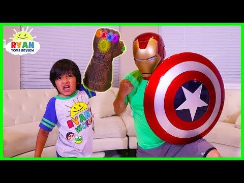 Ryan vs Marvel Avengers Infinity War Superhero Bunch O Balloons Fight!!