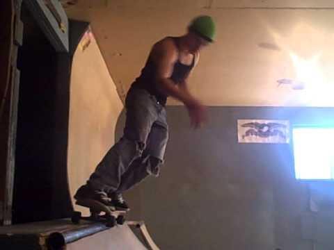 longboard Christ air on mini pipe - Eric Libby
