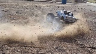 Revo LasVegas - Nitro Traxxas / Proline RC Truck tears up an ol