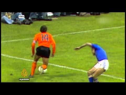 Dutch football legend Johan Cruyff dies at 68