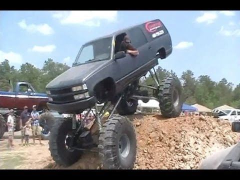 GIANT BIG BLOCK SUBURBAN CRASHES at SOUR LAKE MUD FARM!! Music Videos